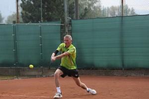 Foto č. 1: Róbert Kopecký - Víťaz stolnotenisového turnaja, foto: Laco Lesay